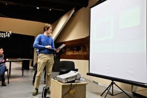 Prezentacja Jana Mierzejewskiego, który w Bednarskiej Szkole Realnej uczy fizyki i tworzy koło robotyczne